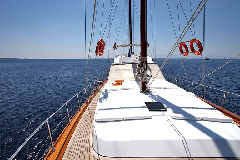 deluxe-gulet-charter-serenity-70-10