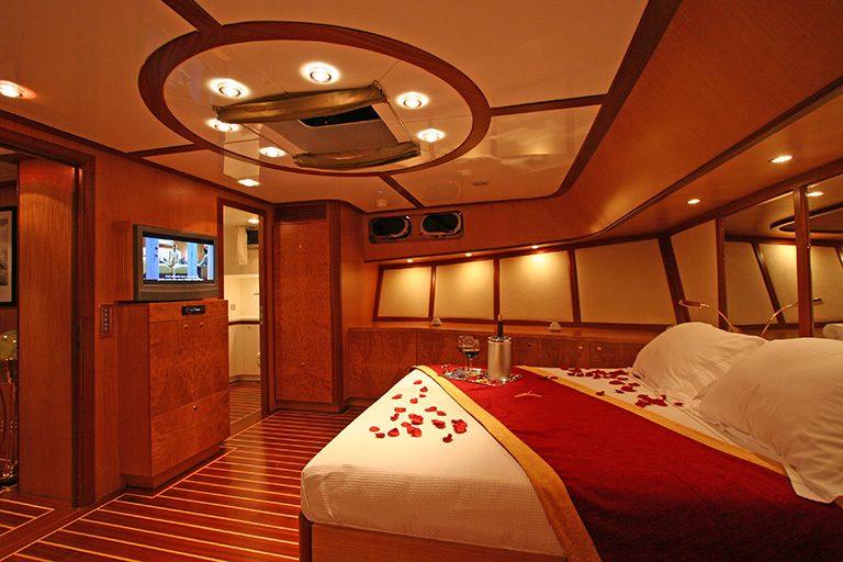luxury-gulet-charter-serenity-86-22