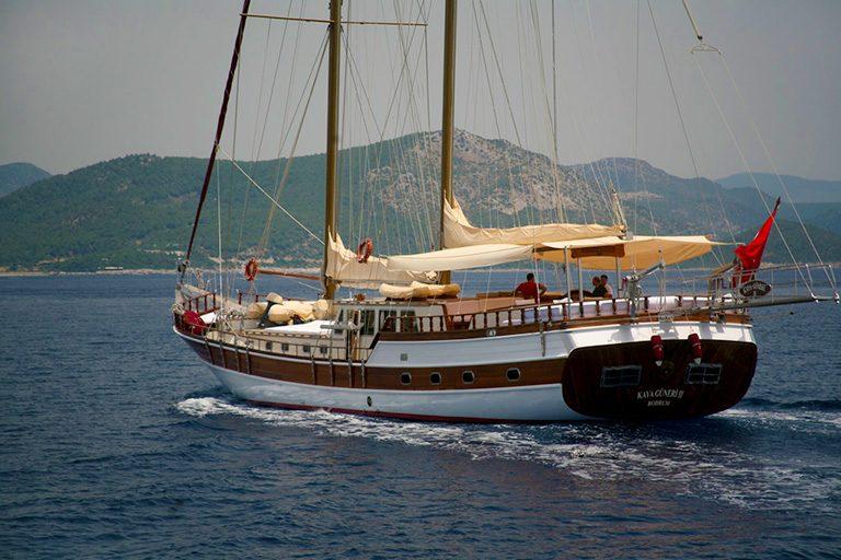 traditional-gulet-charter-kaya-guneri-II-03